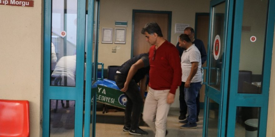Antalya'da eğitim uçağının düşmesi sonucu hayatını kaybeden pilot ve yardımcısının cenazesi alındı