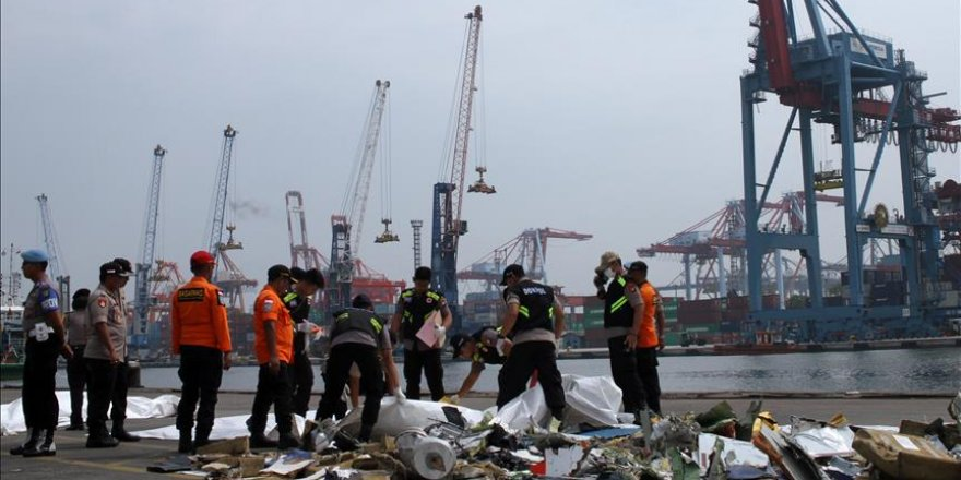 Crash d'un avion en Indonésie: Des débris trouvés
