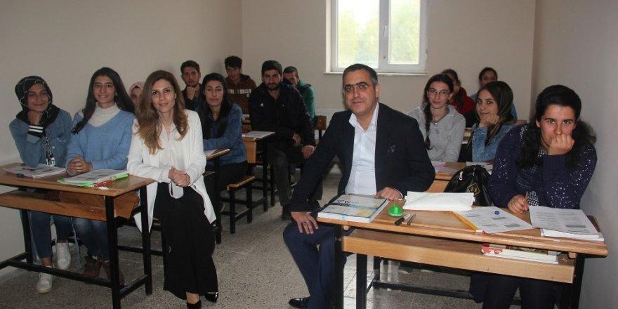 Muradiyeli öğrenciler üniversiteye hazırlanıyor
