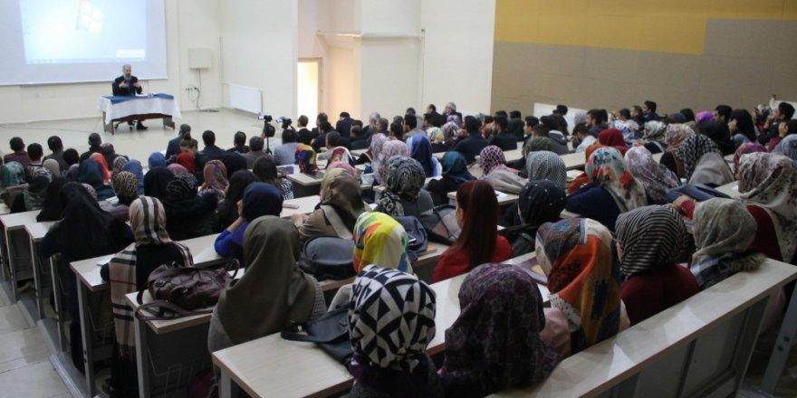 """MŞÜ'de """"Reform ile Aydınlanma Arasında İslam"""" konferansı"""