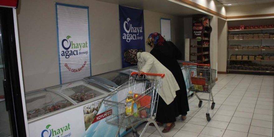 Gıda Bankası yardımlarını sürdürüyor