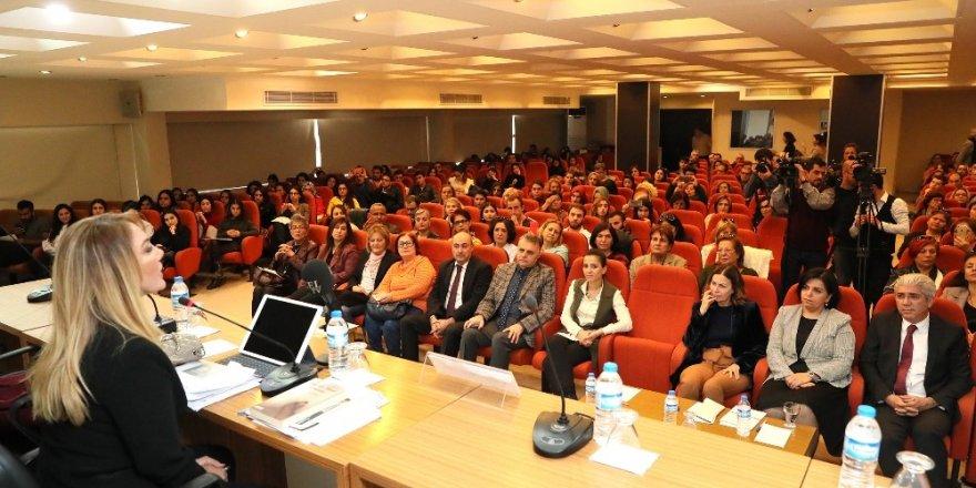 Mersin'de 'Kadına Yönelik Şiddetle Mücadele Günü' konferansı