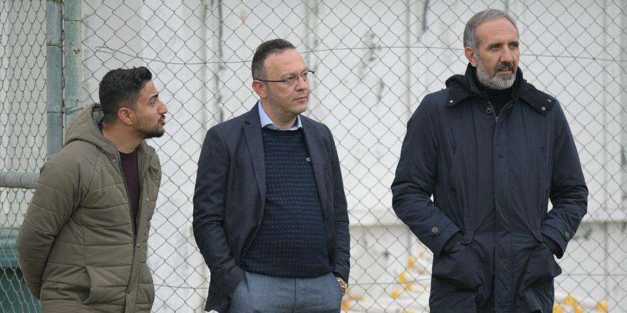 Konyaspor Yönetimi'nden takıma ziyaret