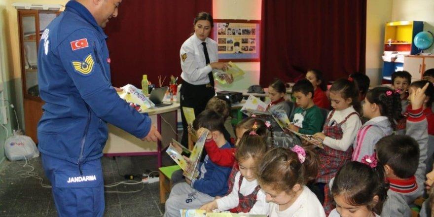 İlçe Jandarma Komutanlığından çocuk güvenliği semineri