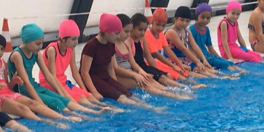 """Kumluca'da """"Yüzme Bilmeyen Kalmasın"""" projesi"""