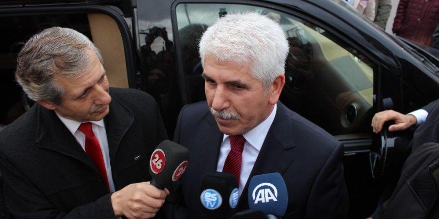 AK Parti'nin adayı Burhan Sakallı davul zurna ile karşılandı