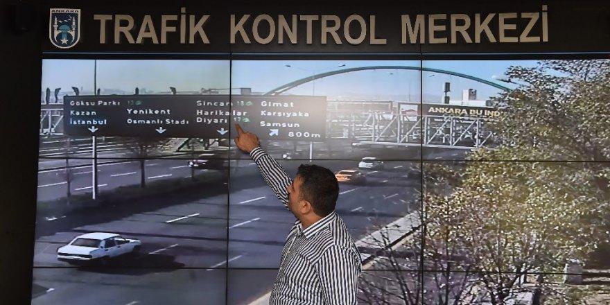 Başkentte yolların dili LED'li ekranlar
