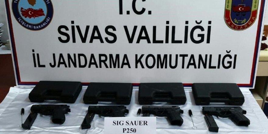 Sivas'ta silah kaçakçılığı operasyonu