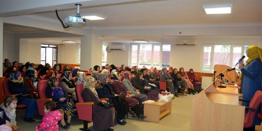 """Mudanya Müftülüğü'nden """"ailede din eğitimi"""" konferansı"""