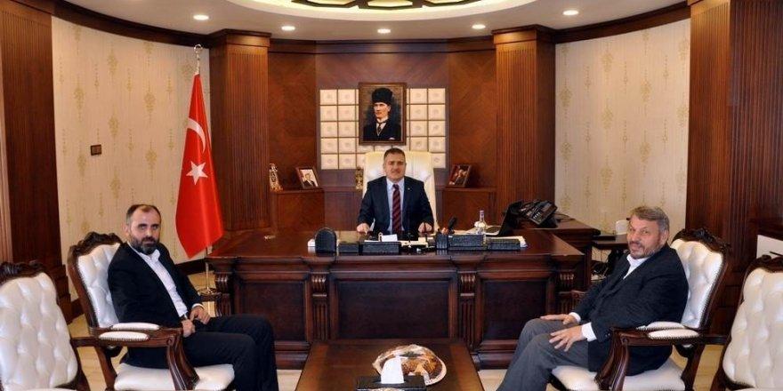 Dekan Çiçek'ten Vali Akbıyık'a ziyaret