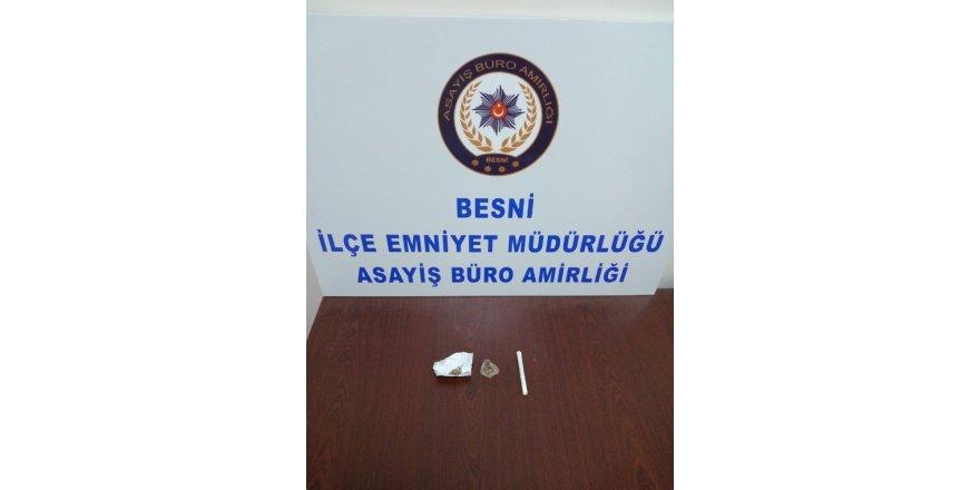 Polis ekipleri 18 gram uyuşturucu ele geçirdi