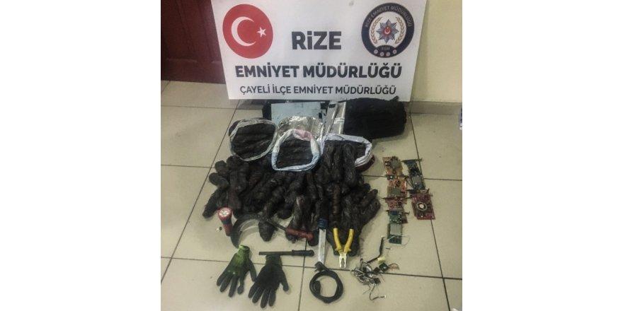Rize'nin Çayeli ilçesinde hırsızlık yapan 3 yabancı uyruklu kişi yakalandı