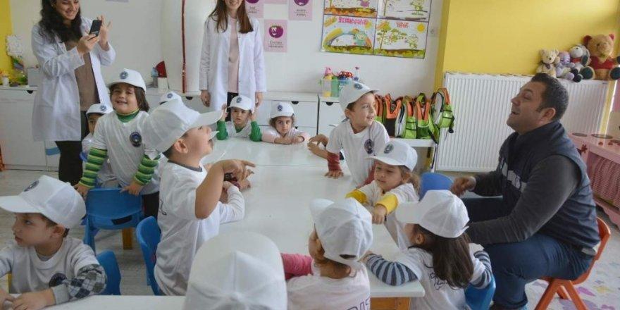 Aliağa Belediyesi zabıtasından miniklere eğitim
