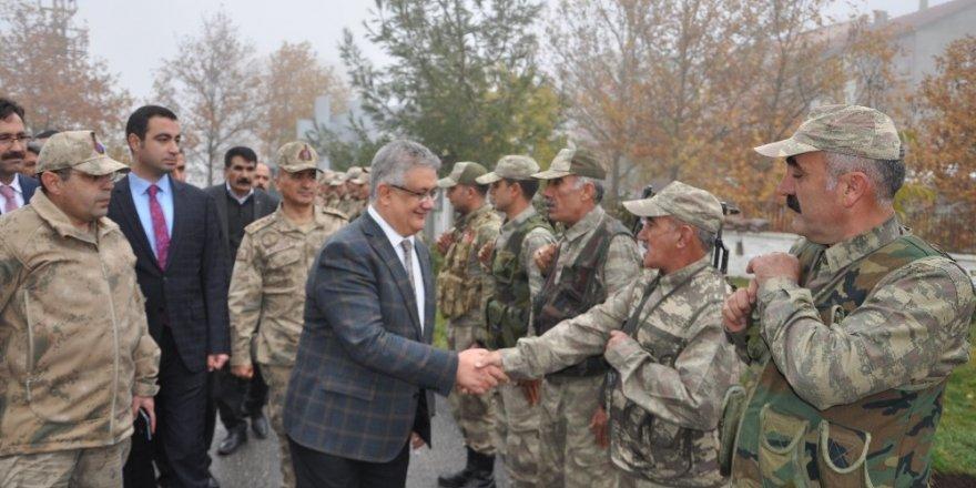 Vali Aykut Pekmez Sincik ilçesinde incelemelerde bulundu