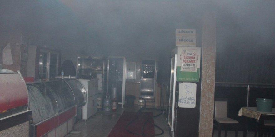 Lokanta bacasında yangın