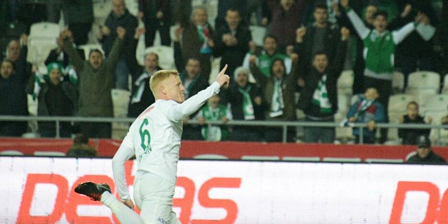 Konyaspor'da Jonsson, 2-3 hafta yok!