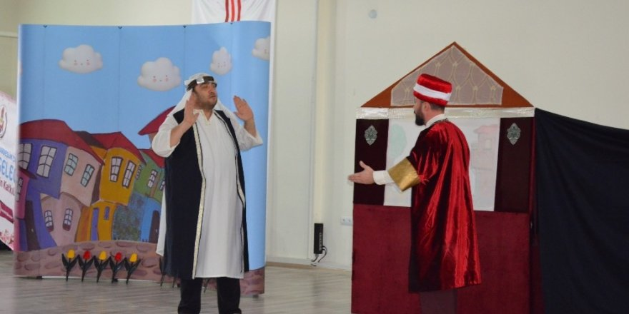 Köy öğrencileri tiyatro ile buluştu