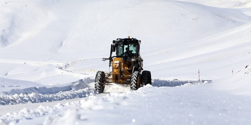 Van'da karla mücadele çalışması