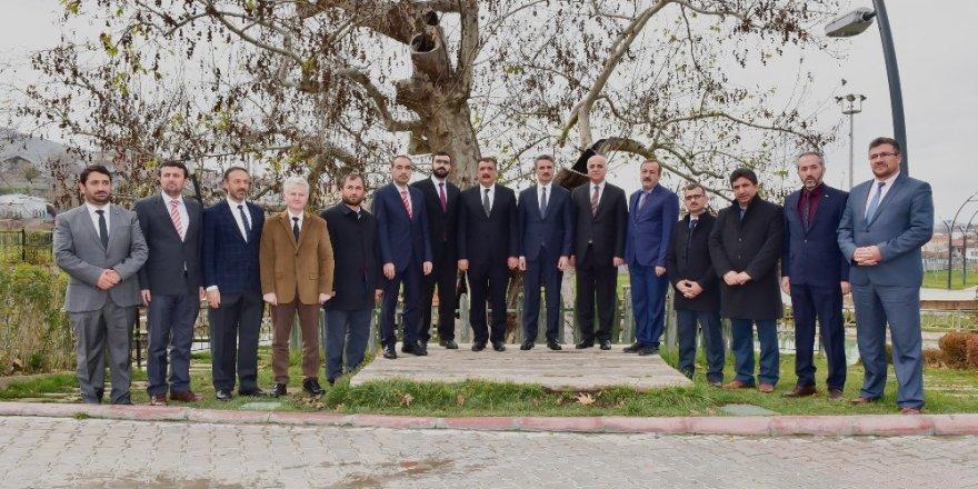 Vali Baruş ve Başkan Gürkan müftülerle buluştu