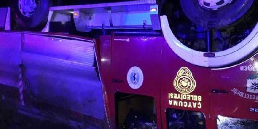 Zonguldak'ta itfaiye aracı devrildi: 3 yaralı