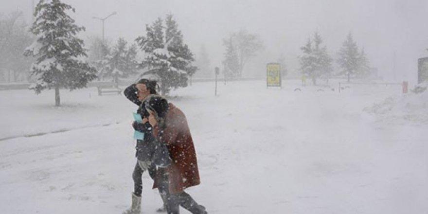 Selçuk Üniversitesi'nde kar tatili