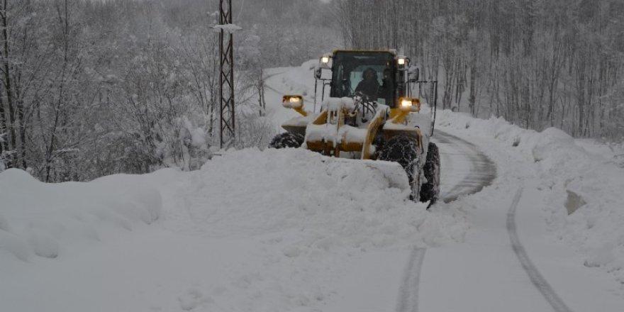 Düzce'de 6 köy yolu ulaşıma kapandı