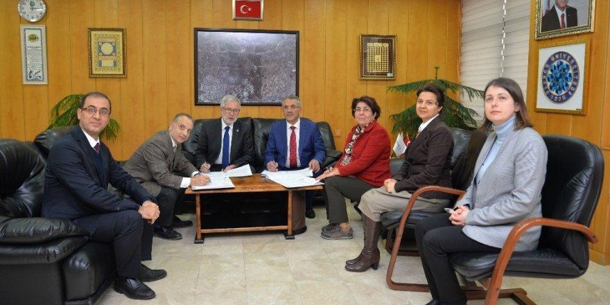 Uludağ Üniversitesi'ni seçen öğrenciler bursa doyacak