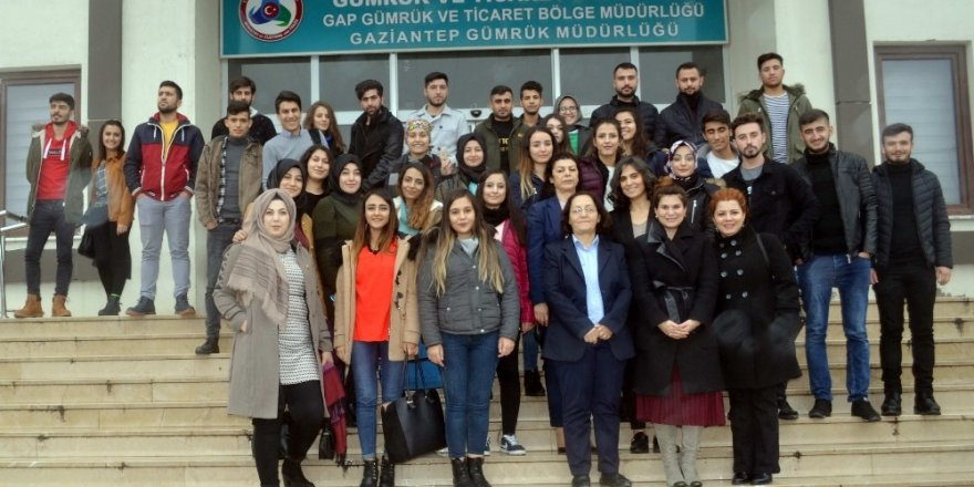 Lojistik Programı öğrencilerinden Gümrük Müdürlüğü'ne teknik gezi