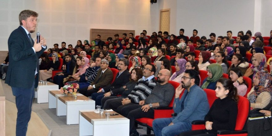 Nizip'te Kariyer Planlama konferansı