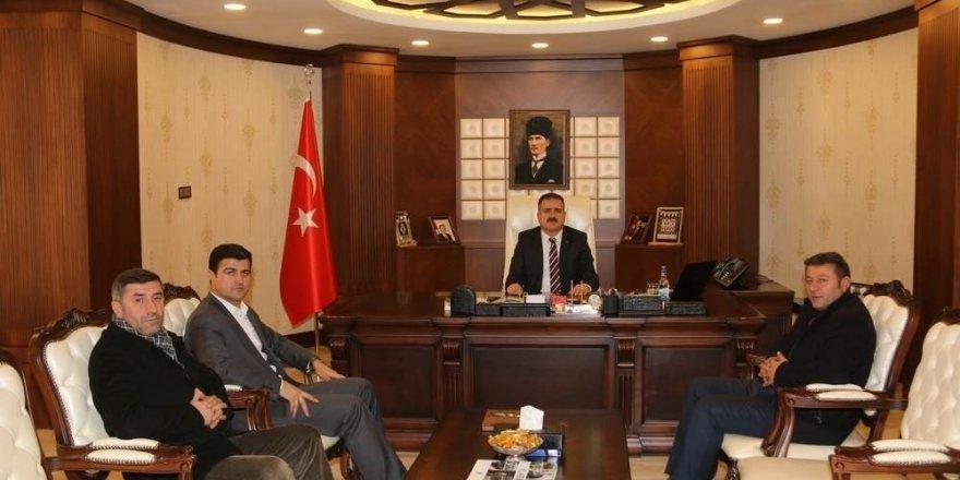 Seyehat acenteleri yetkililerinden Vali Akbıyık'a ziyaret tti