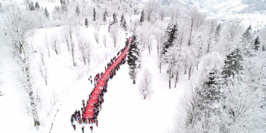 Sarıkamış Şehitleri 2 Bin 200 Rakımlı Sis Dağı'nda Anıldı ile ilgili görsel sonucu