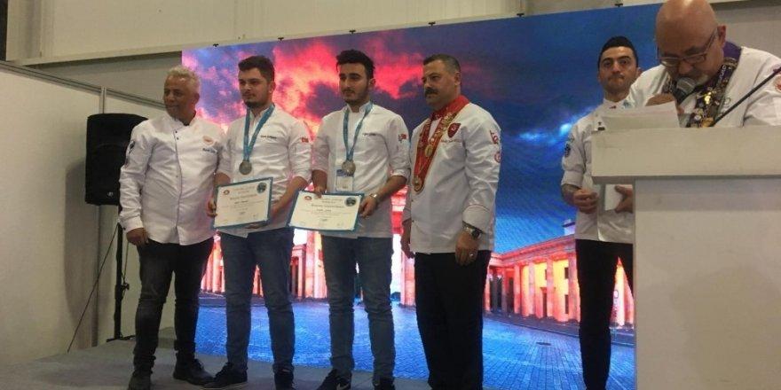KBÜ'lü aşçılar Türkiye ikincisi oldu