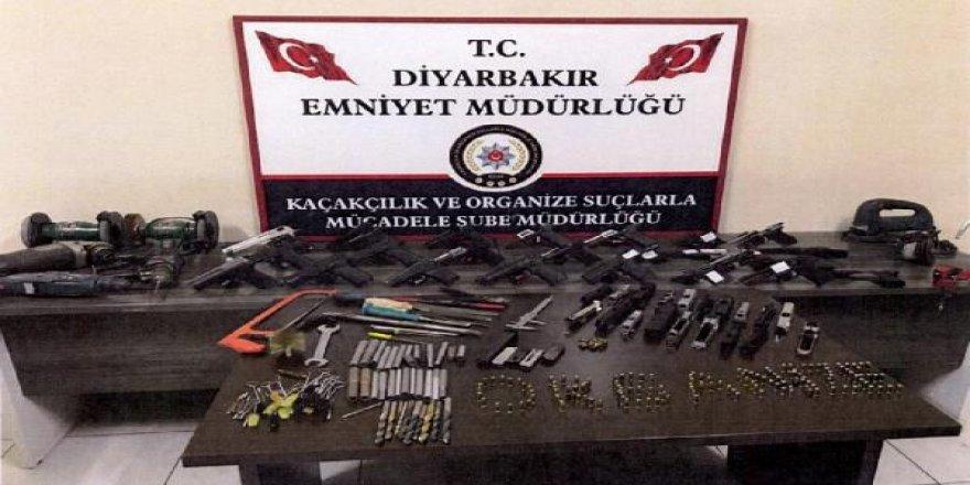 Silah kaçaklığı operasyonda cephanelik ele geçirildi