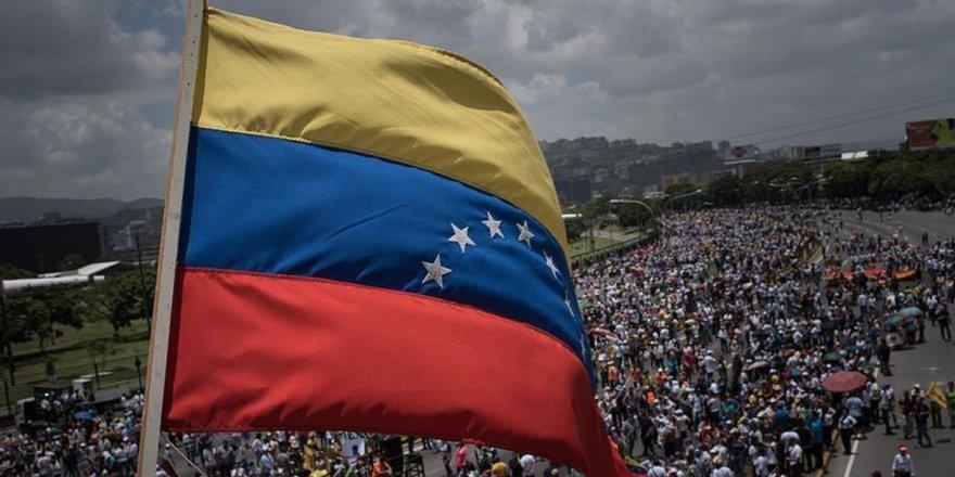 """""""ABD gözlerini Venezuela halkının zenginliklerine dikmiş durumda"""""""