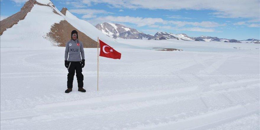 From Antarctica, Turkish scientist fetches 3 meteorites