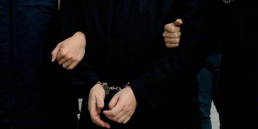 İki yıldır aranan eski binbaşı hücre evinde yakalandı