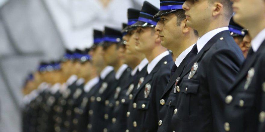 2010 yılında yapılan Polislikten Komiserliğe Geçiş Sınavı'nda bin 112 kişi mercek altında