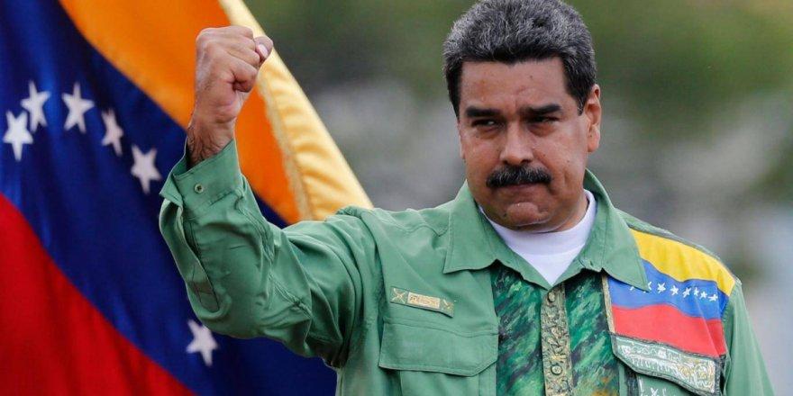 """Venezuela'dan """"ABD ileri giderse Trump'ın elleri kana bulaşır"""" uyarısı"""