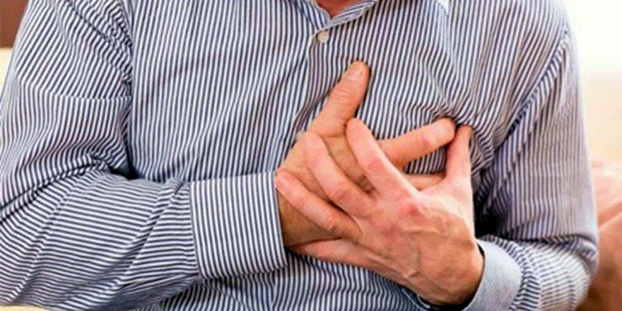 Yaşlı adam traktör üzerinde kalp krizi geçirdi