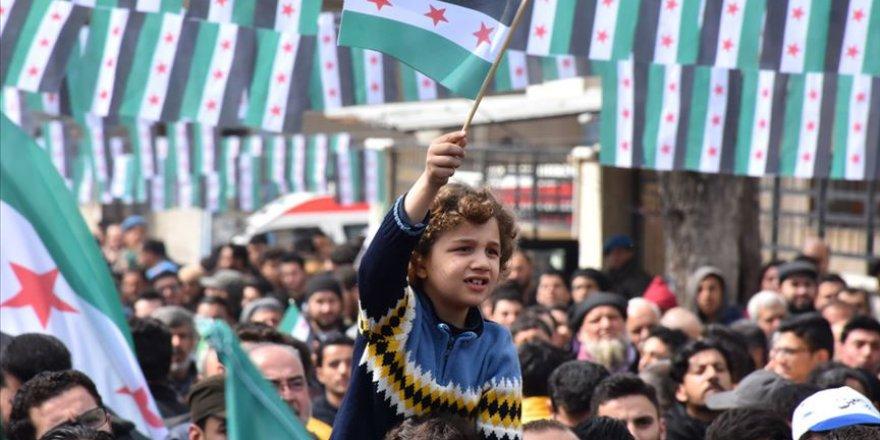 Suriye'de iç savaşın 8. yılında gösteriler düzenlendi