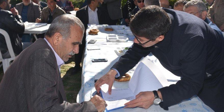Başkan Çelik Tabane'nin ileri gelenleriyle kentsel dönüşümü konuştu