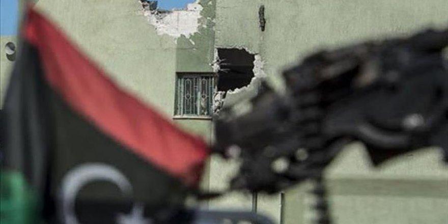 Libye: l'aviation des forces de Haftar bombarde la ville de Zaoura