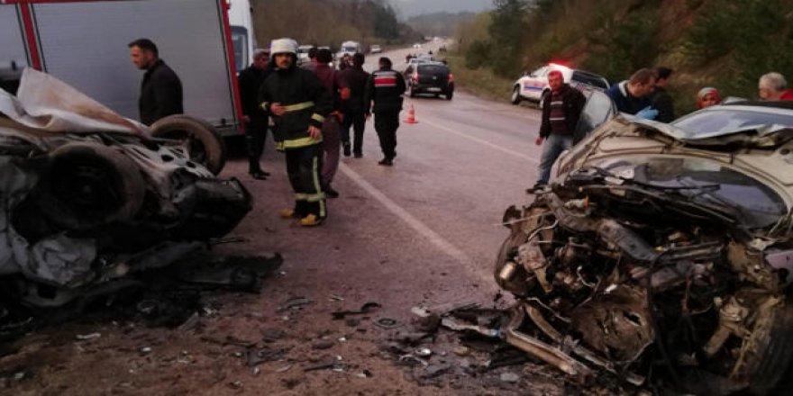 Bursa'da feci kaza... 2 ölü 8 yaralı
