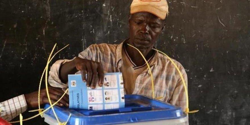 Bénin: Deux anciens présidents dénoncent le processus électoral