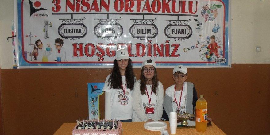 Özalp ilçesinde TÜBİTAK 4006 Bilim Fuarı