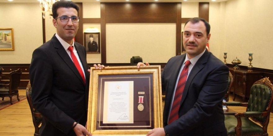"""15 Temmuz gazilerine """"Devlet Övünç Madalyası"""""""