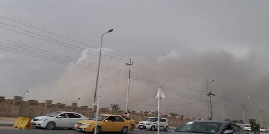 Irak'ta kum fırtınası: 5 ölü, 80 yaralı