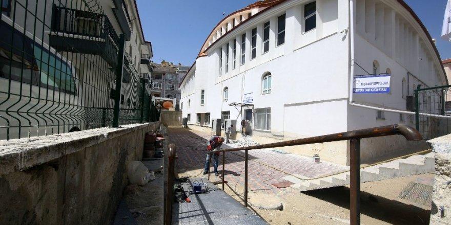 Keçiören Hüdaverdi Camii'ne engelli rampası yapıldı