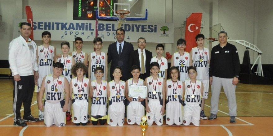GKV'liler şampiyonluk kupalarını topladı
