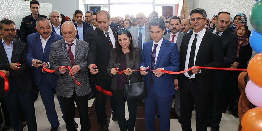 Konya'da Hem Yıl Sonu Sergisi Açıldı